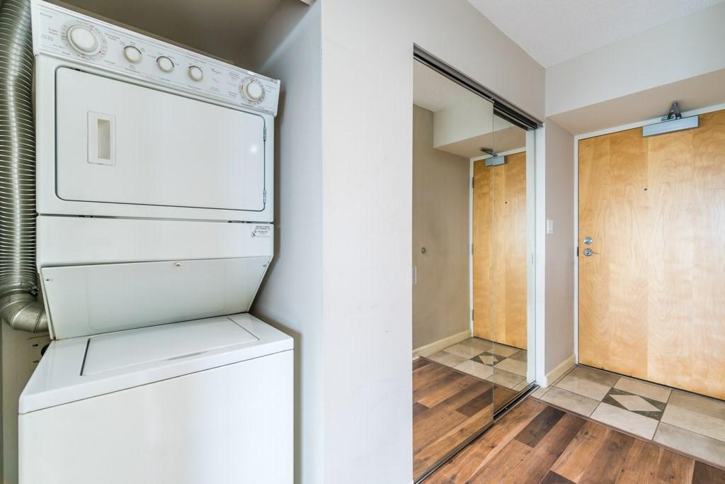 Condo Apartment at 1805 6088 WILLINGDON AVENUE, Unit 1805, Burnaby South, British Columbia. Image 15