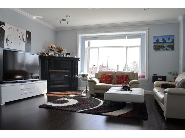 Detached at 4853 INMAN AVENUE, Burnaby South, British Columbia. Image 2