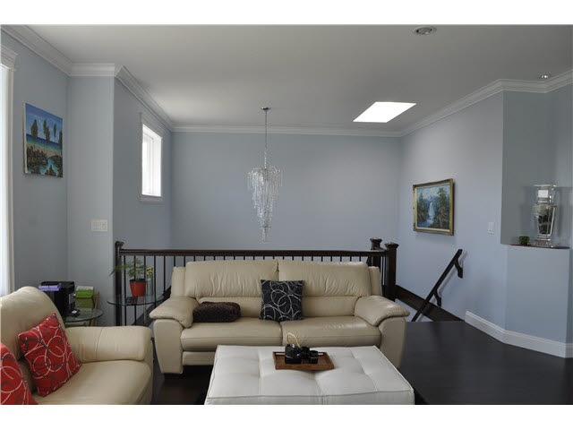 Detached at 4853 INMAN AVENUE, Burnaby South, British Columbia. Image 3
