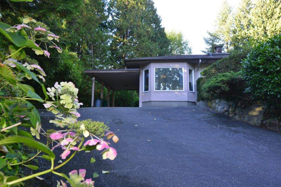 Detached at 435 MACBETH CRESCENT, West Vancouver, British Columbia. Image 10