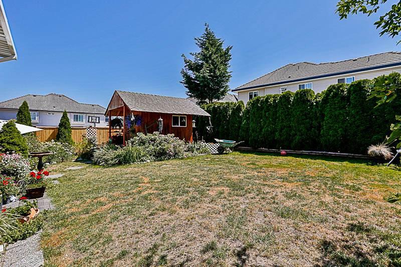 Detached at 14862 74A AVENUE, Surrey, British Columbia. Image 20