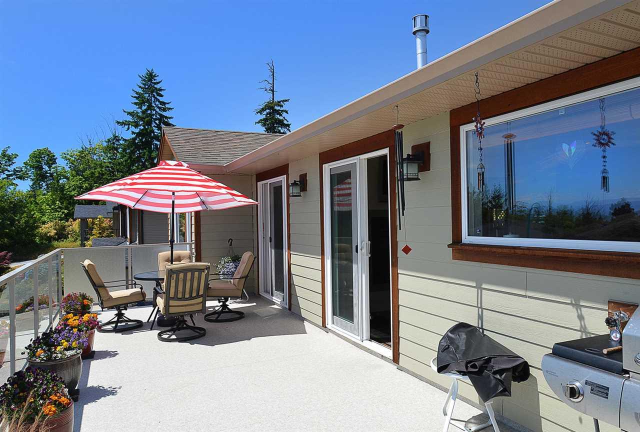 Detached at 6384 PICADILLY PLACE, Sunshine Coast, British Columbia. Image 4