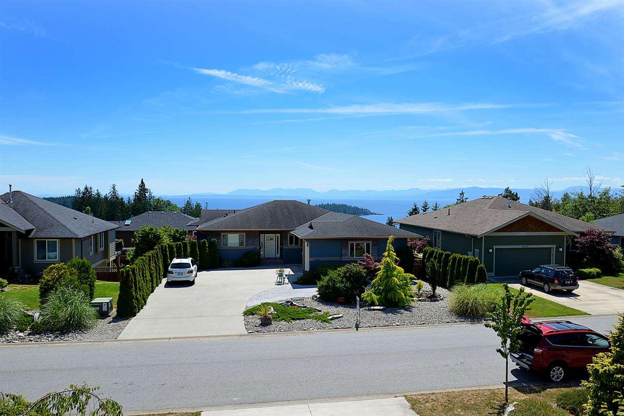 Detached at 6384 PICADILLY PLACE, Sunshine Coast, British Columbia. Image 5