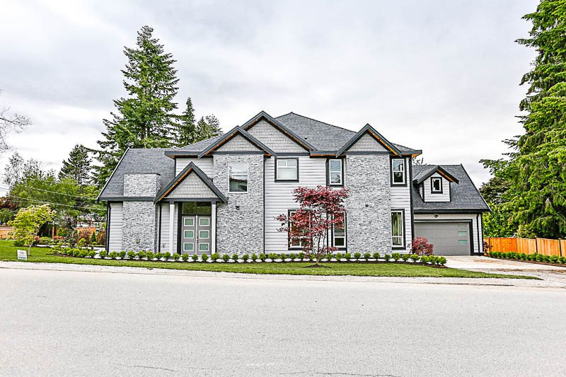 Detached at 14049 113 AVENUE, North Surrey, British Columbia. Image 2