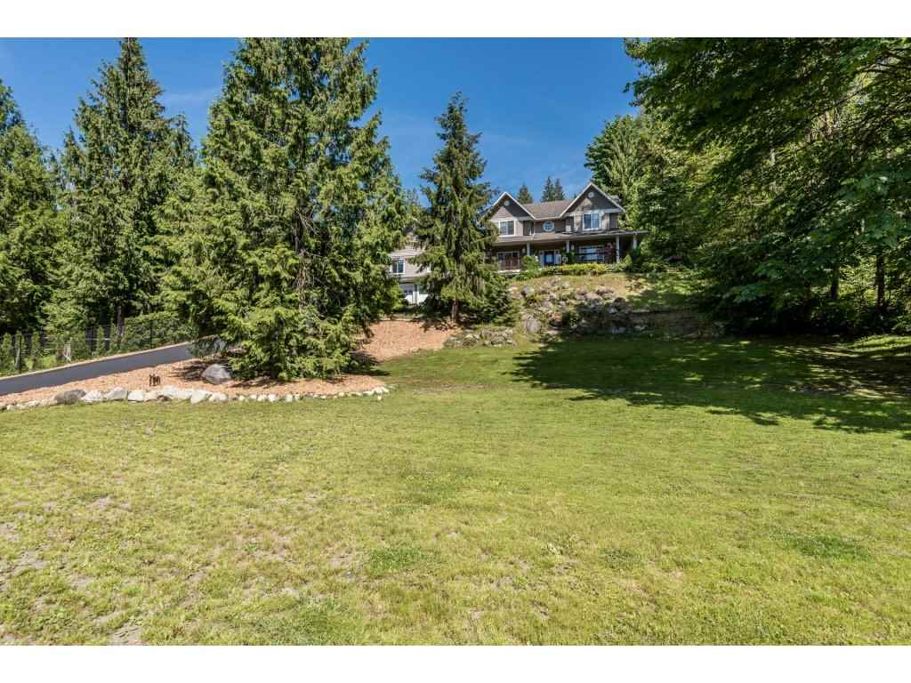 Detached at 12194 269 STREET, Maple Ridge, British Columbia. Image 2