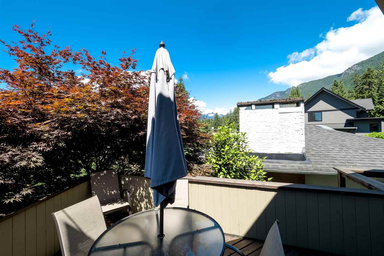 Detached at 920 BELVEDERE DRIVE, North Vancouver, British Columbia. Image 2