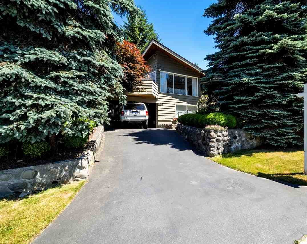 Detached at 920 BELVEDERE DRIVE, North Vancouver, British Columbia. Image 6