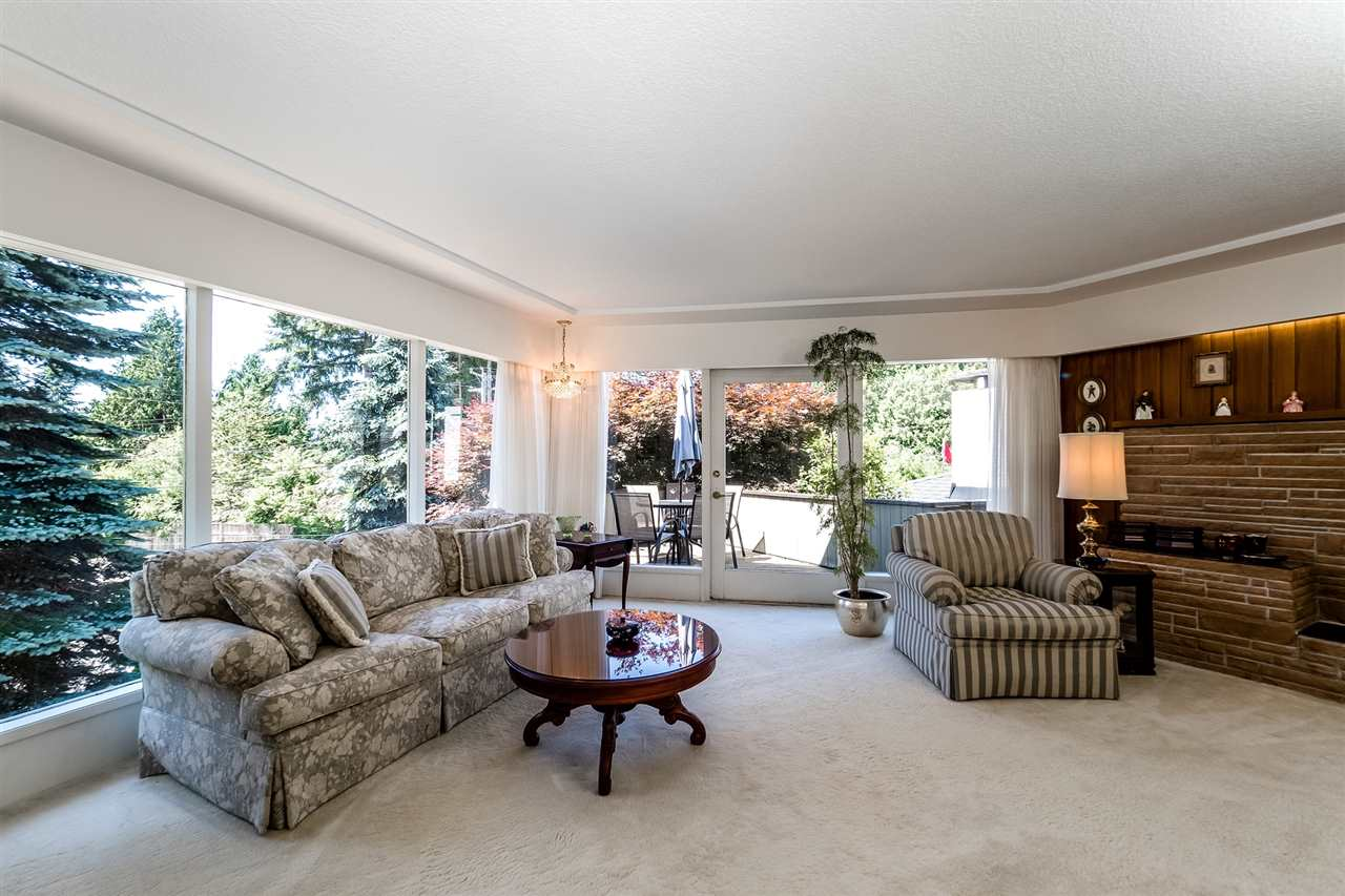 Detached at 920 BELVEDERE DRIVE, North Vancouver, British Columbia. Image 7