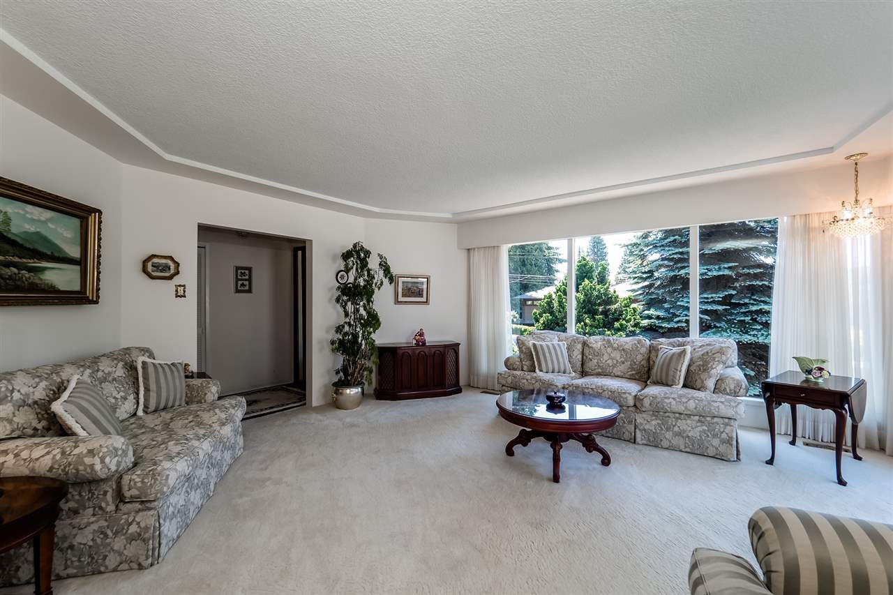 Detached at 920 BELVEDERE DRIVE, North Vancouver, British Columbia. Image 8