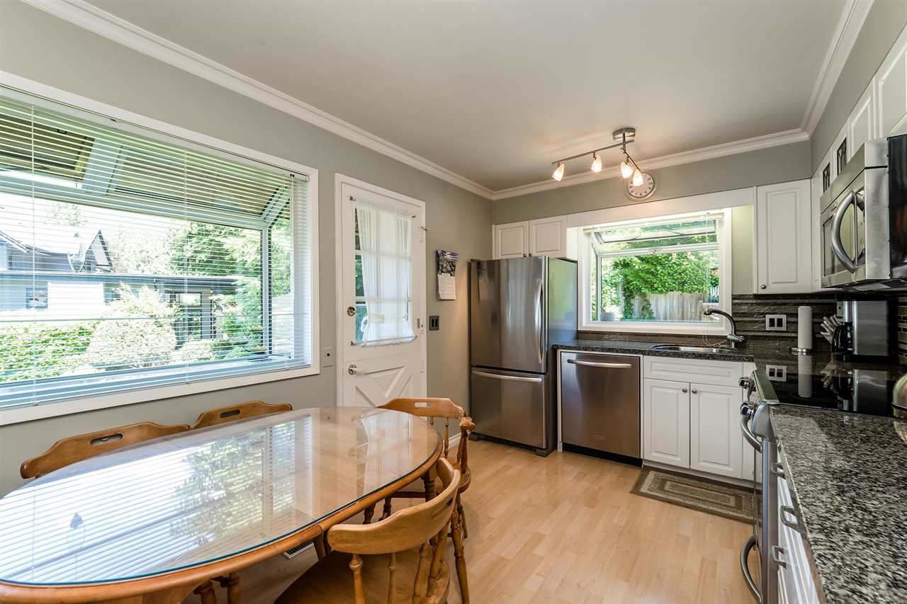 Detached at 920 BELVEDERE DRIVE, North Vancouver, British Columbia. Image 11