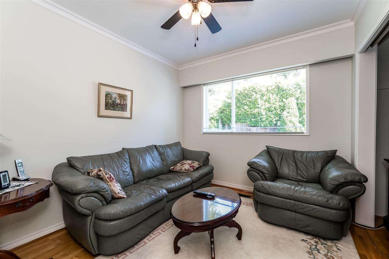 Detached at 920 BELVEDERE DRIVE, North Vancouver, British Columbia. Image 13
