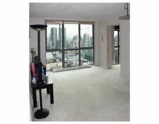 Condo Apartment at 2405 1188 HOWE STREET, Unit 2405, Vancouver West, British Columbia. Image 3