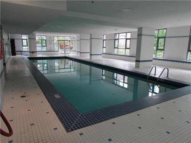 Condo Apartment at 2405 1188 HOWE STREET, Unit 2405, Vancouver West, British Columbia. Image 7