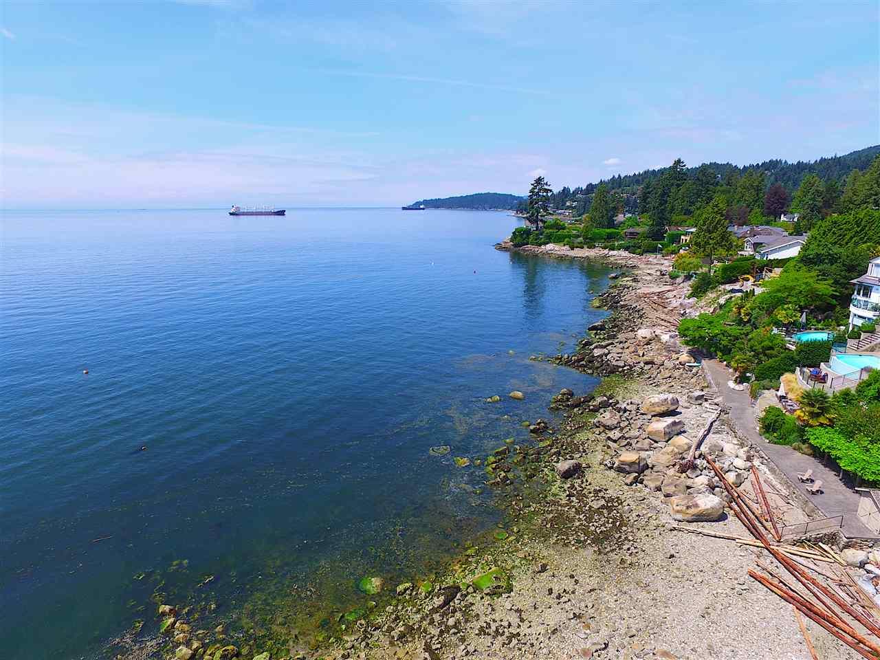 Detached at 2970 PARK LANE, West Vancouver, British Columbia. Image 2