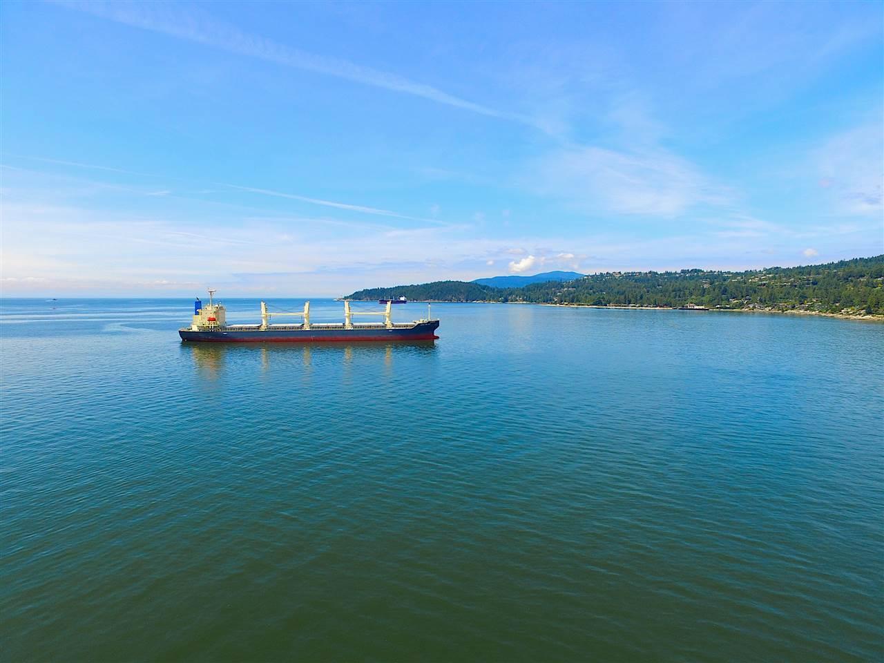 Detached at 2970 PARK LANE, West Vancouver, British Columbia. Image 4