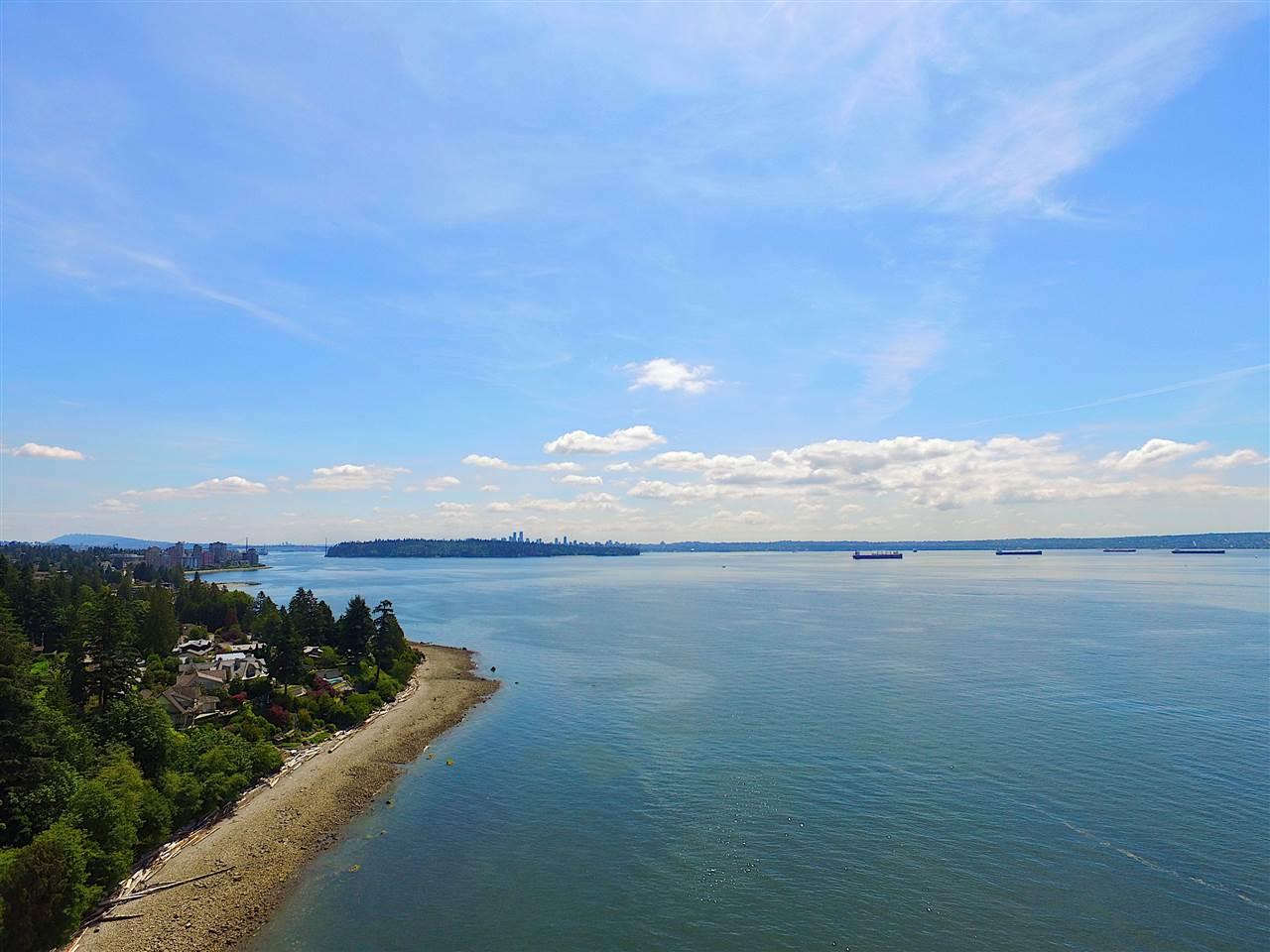 Detached at 2970 PARK LANE, West Vancouver, British Columbia. Image 14
