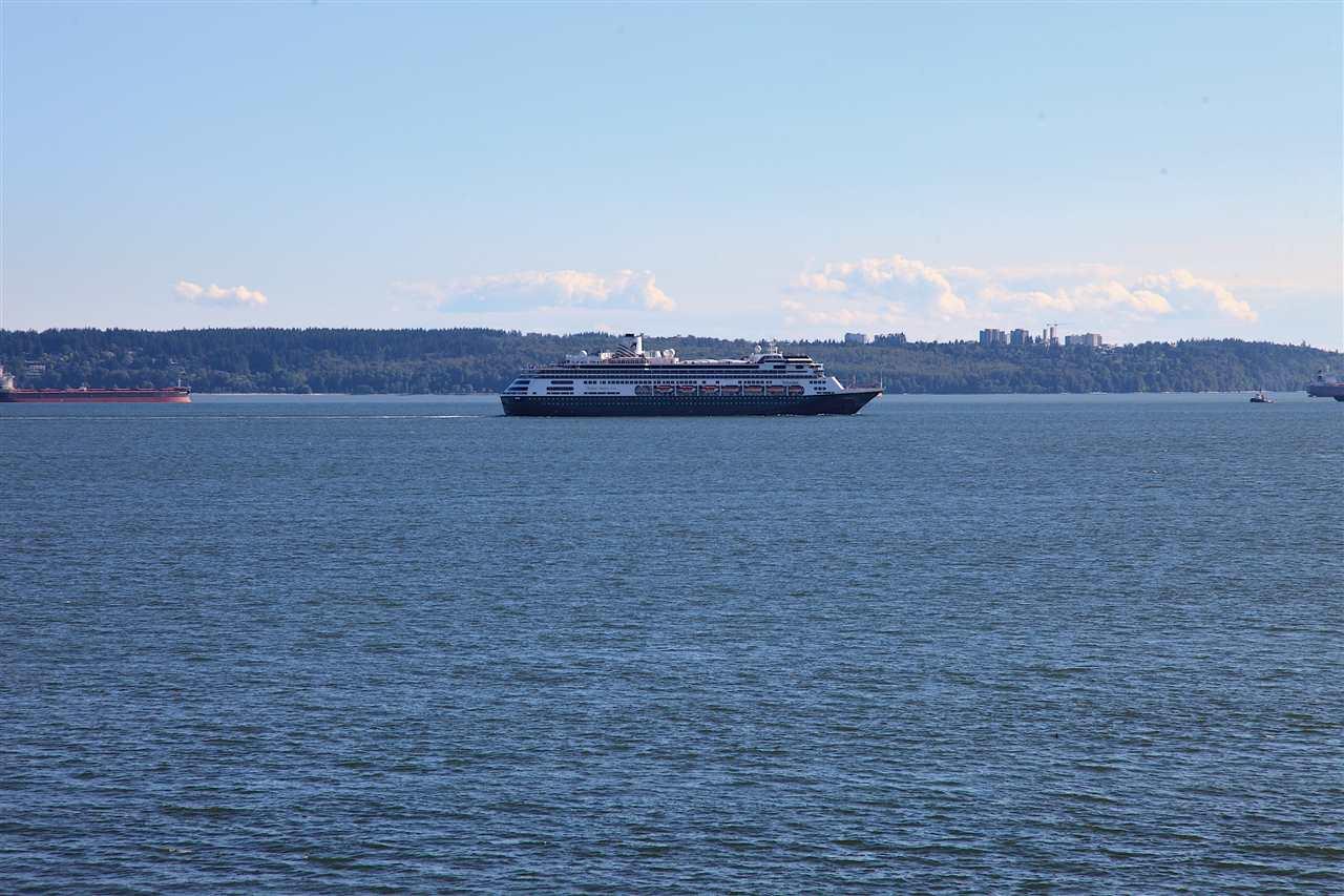 Detached at 2970 PARK LANE, West Vancouver, British Columbia. Image 17