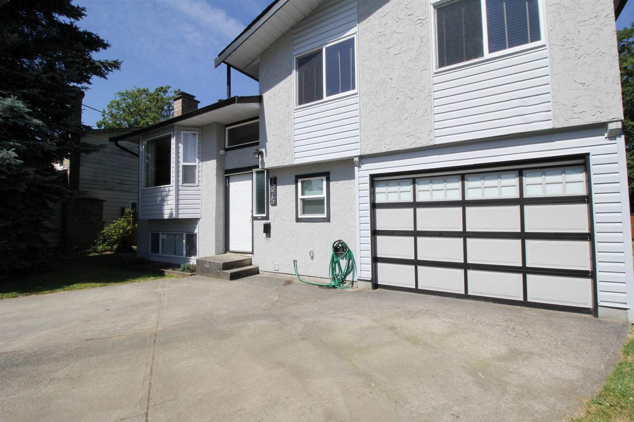 Detached at 7875 126A STREET, Surrey, British Columbia. Image 2