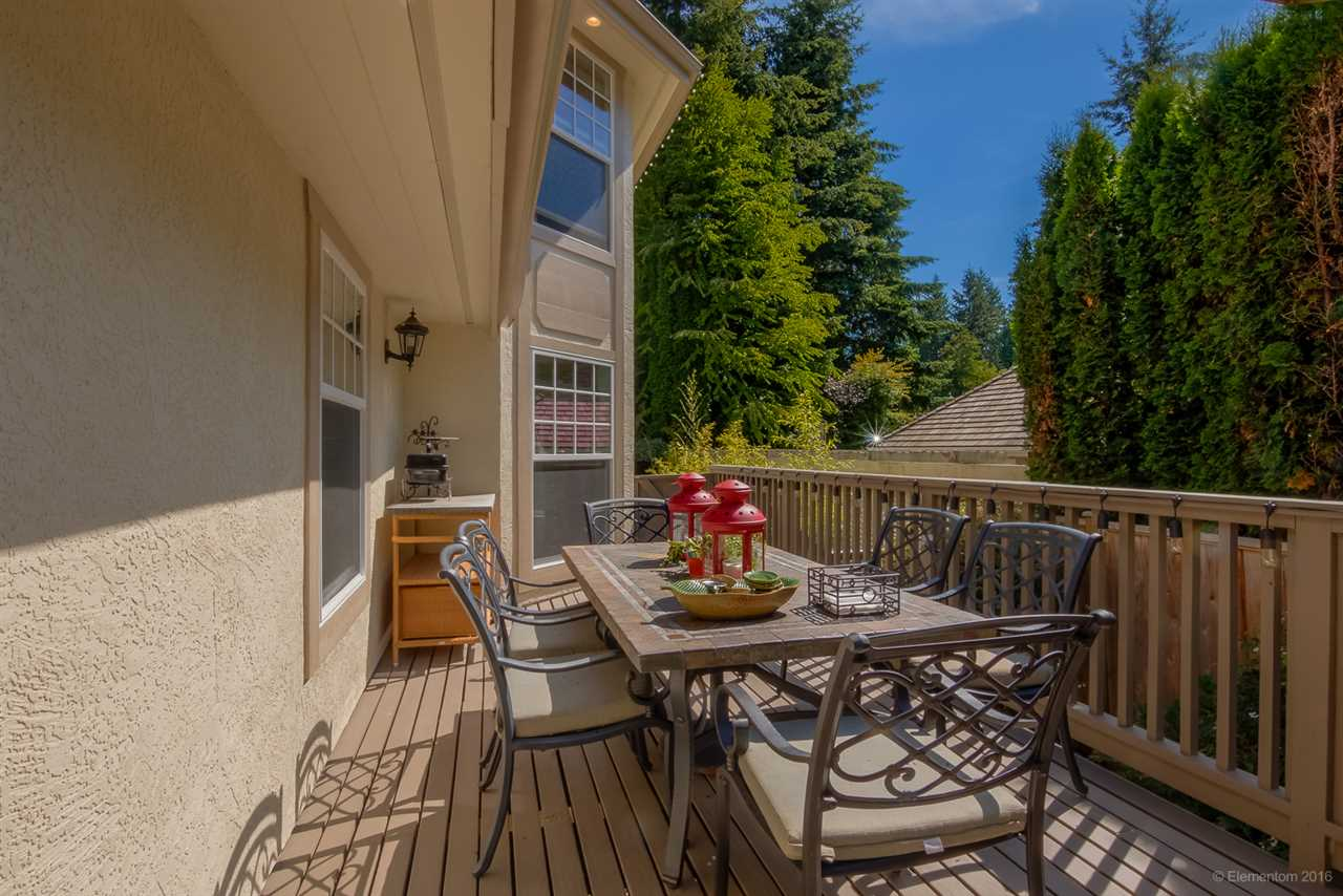 Detached at 4725 THE GLEN, West Vancouver, British Columbia. Image 19