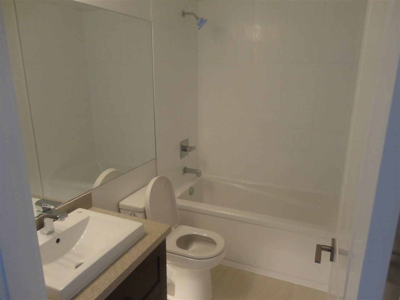 Condo Apartment at 1503 11941 80 AVENUE, Unit 1503, N. Delta, British Columbia. Image 3
