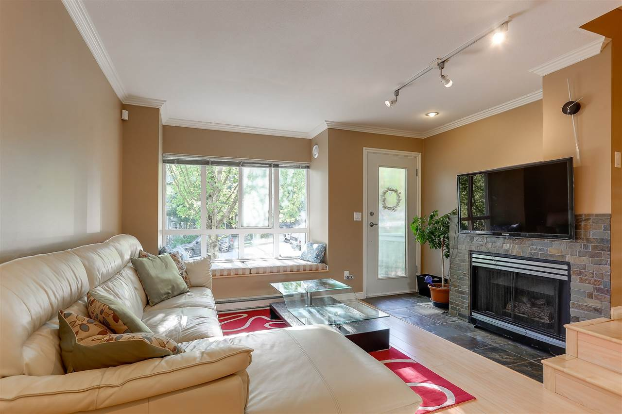 Townhouse at 7480 HAWTHORNE TERRACE, Burnaby South, British Columbia. Image 3