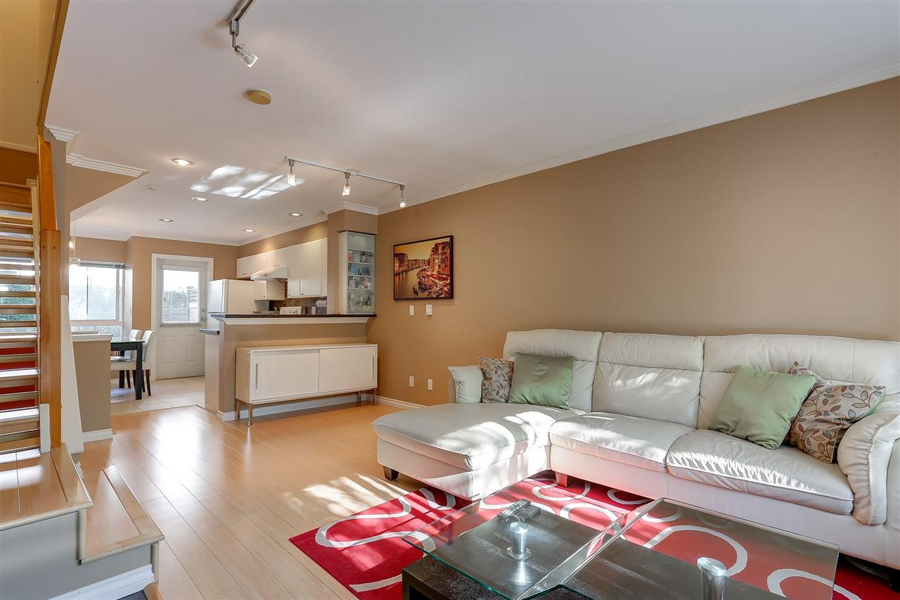 Townhouse at 7480 HAWTHORNE TERRACE, Burnaby South, British Columbia. Image 4