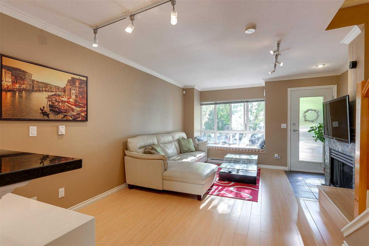 Townhouse at 7480 HAWTHORNE TERRACE, Burnaby South, British Columbia. Image 5