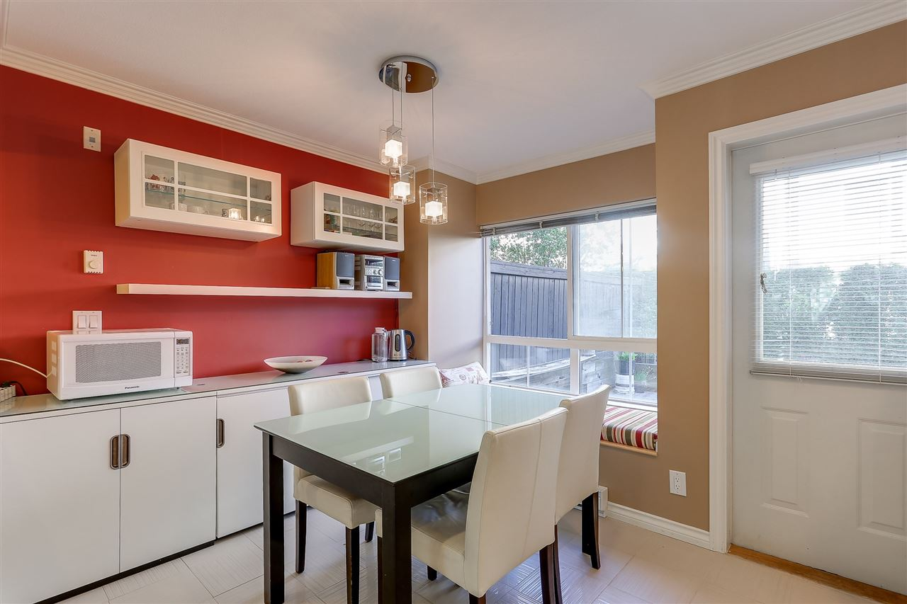 Townhouse at 7480 HAWTHORNE TERRACE, Burnaby South, British Columbia. Image 8