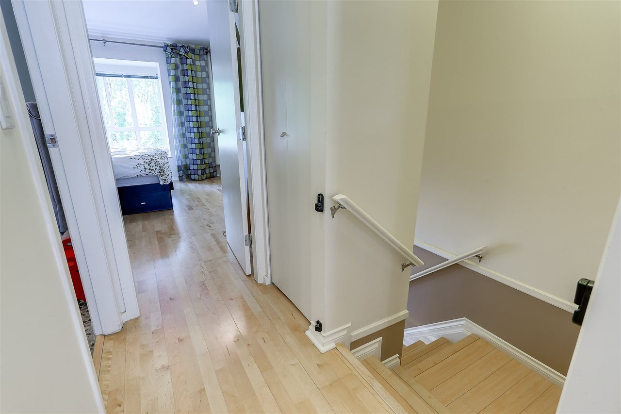 Townhouse at 7480 HAWTHORNE TERRACE, Burnaby South, British Columbia. Image 10