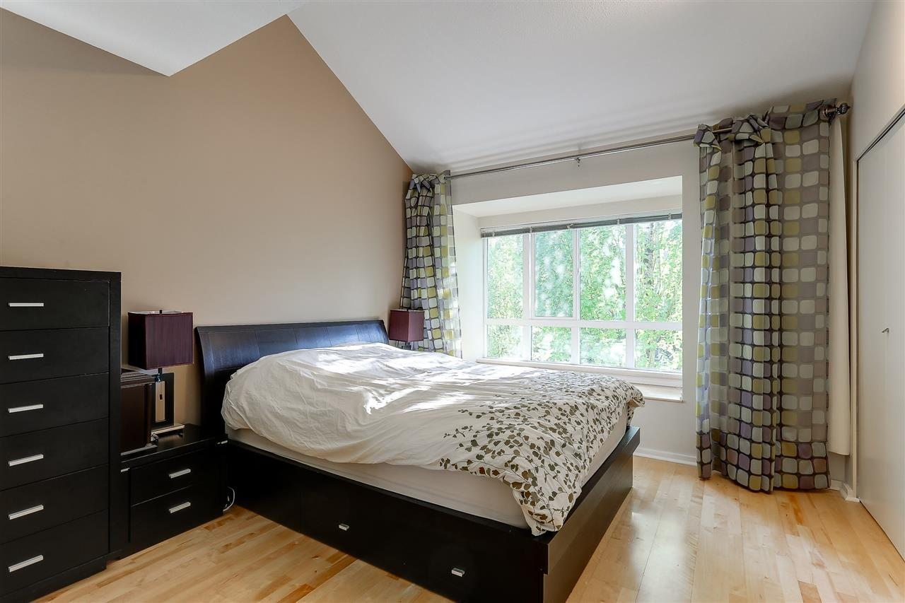 Townhouse at 7480 HAWTHORNE TERRACE, Burnaby South, British Columbia. Image 11