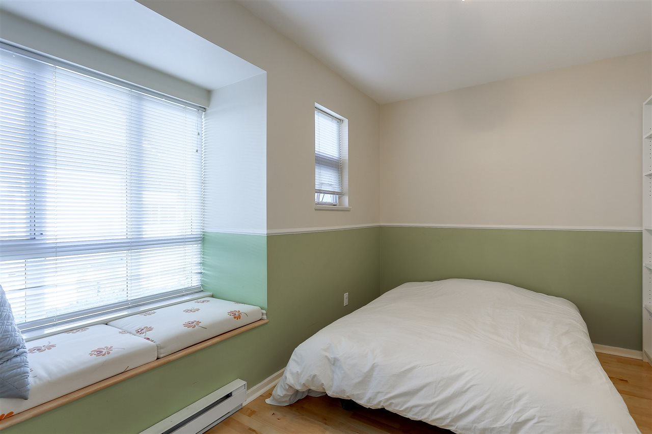 Townhouse at 7480 HAWTHORNE TERRACE, Burnaby South, British Columbia. Image 12