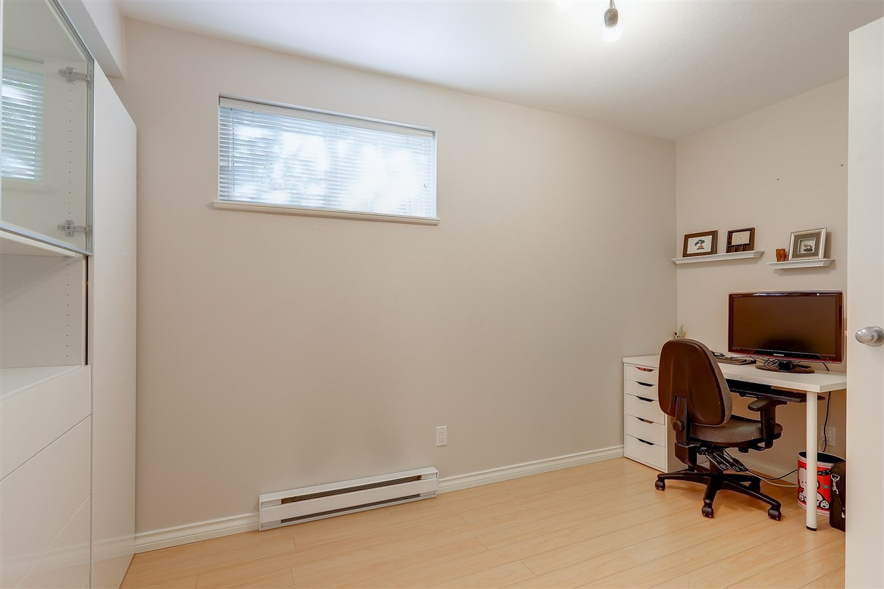 Townhouse at 7480 HAWTHORNE TERRACE, Burnaby South, British Columbia. Image 14
