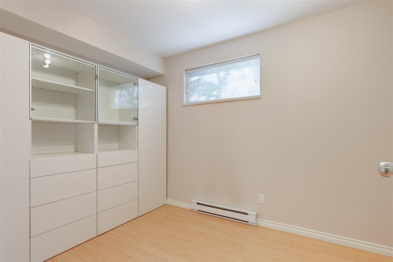 Townhouse at 7480 HAWTHORNE TERRACE, Burnaby South, British Columbia. Image 15