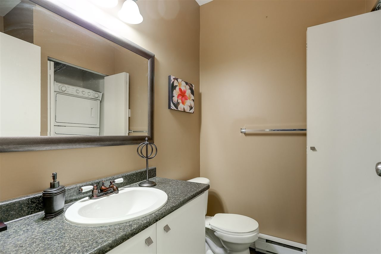 Townhouse at 7480 HAWTHORNE TERRACE, Burnaby South, British Columbia. Image 16