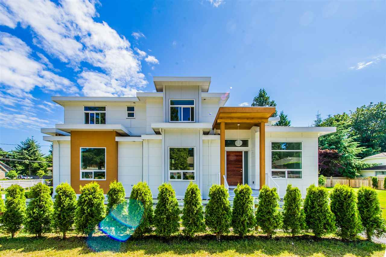 Detached at 13588 15A AVENUE, South Surrey White Rock, British Columbia. Image 2