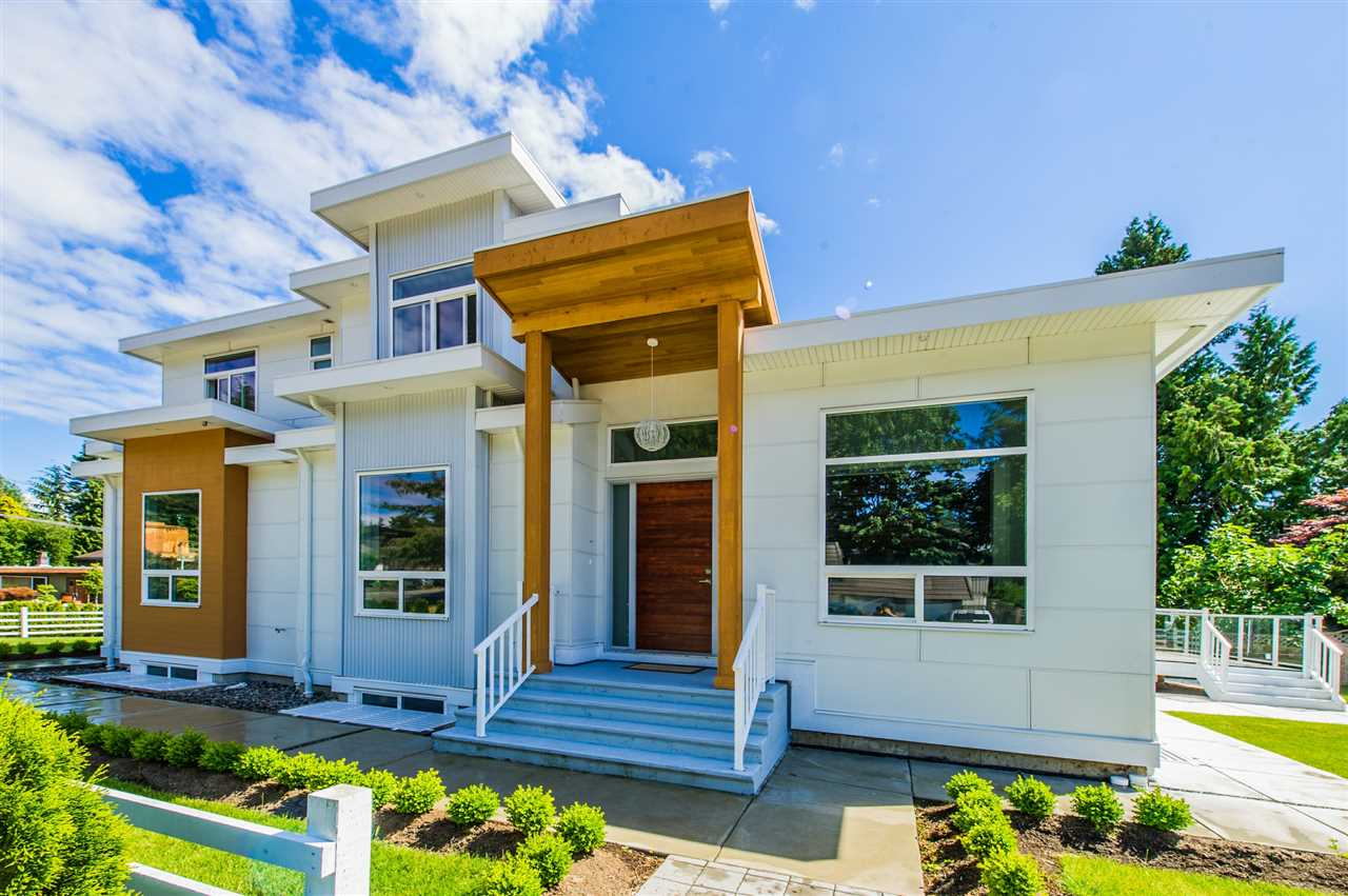 Detached at 13588 15A AVENUE, South Surrey White Rock, British Columbia. Image 4