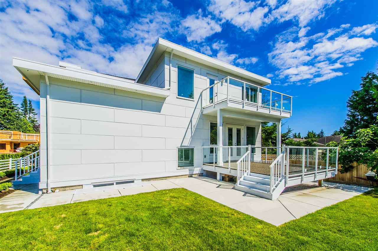 Detached at 13588 15A AVENUE, South Surrey White Rock, British Columbia. Image 5