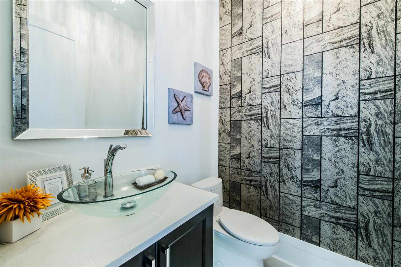 Detached at 13588 15A AVENUE, South Surrey White Rock, British Columbia. Image 7
