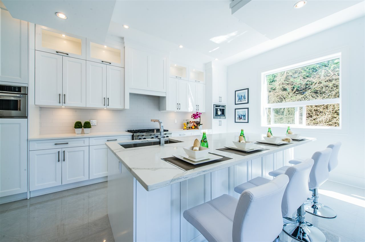 Detached at 13588 15A AVENUE, South Surrey White Rock, British Columbia. Image 10