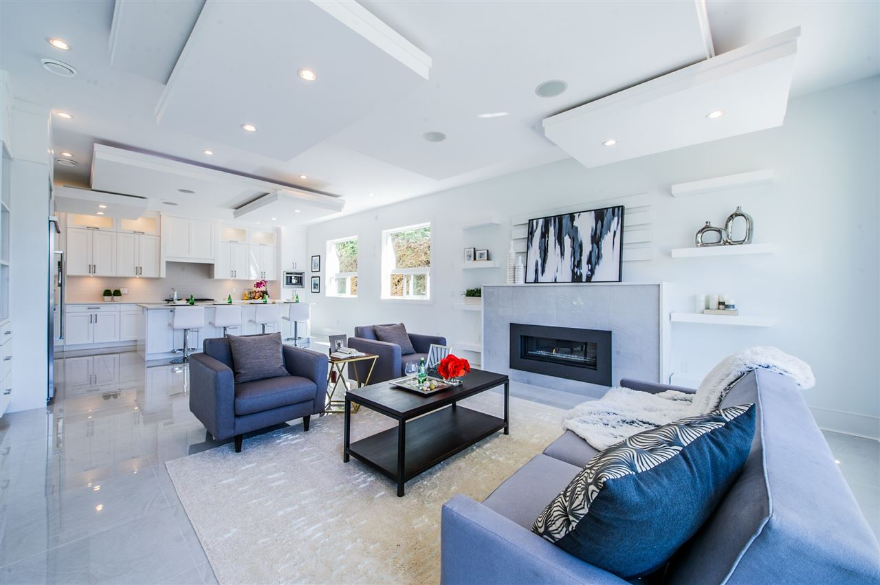 Detached at 13588 15A AVENUE, South Surrey White Rock, British Columbia. Image 11