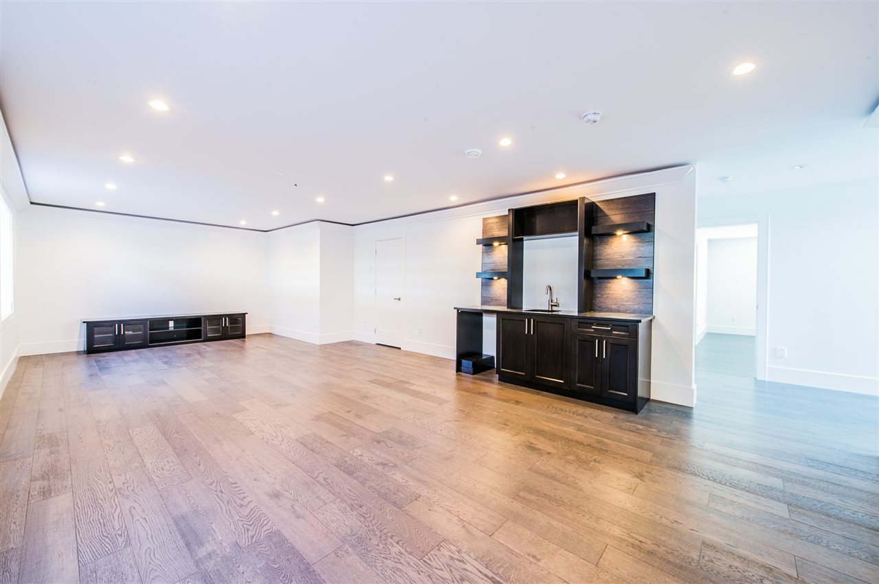 Detached at 13588 15A AVENUE, South Surrey White Rock, British Columbia. Image 17