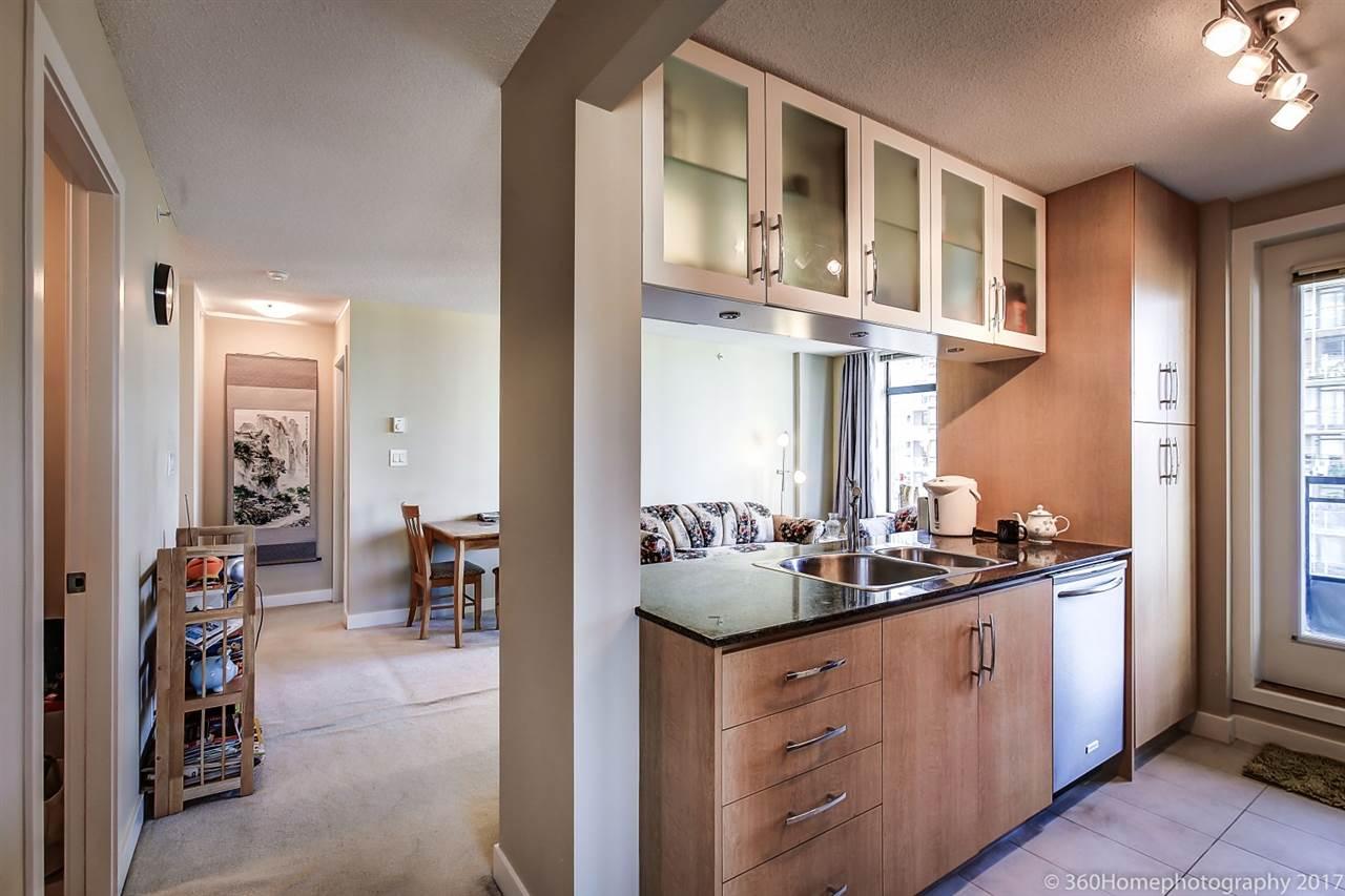 Condo Apartment at 901 6351 BUSWELL STREET, Unit 901, Richmond, British Columbia. Image 6
