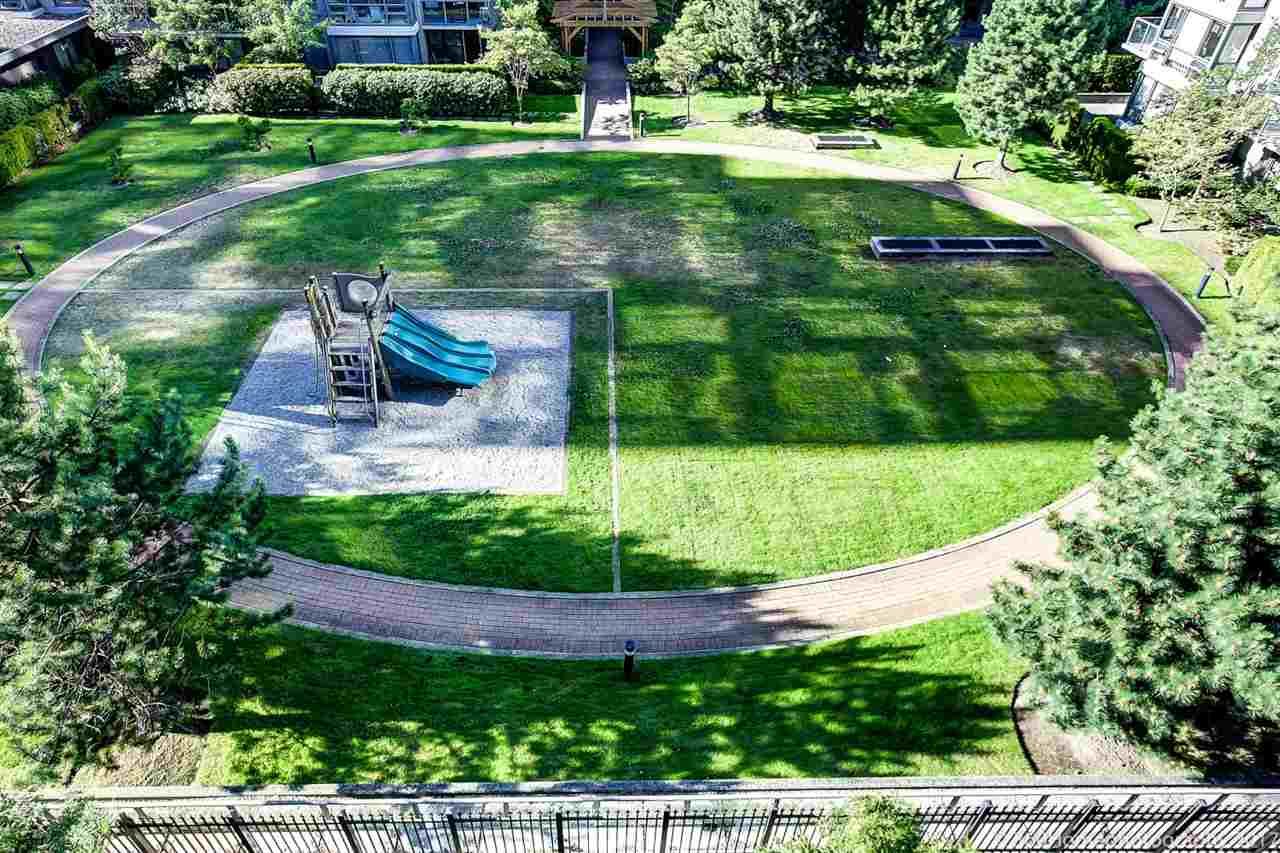 Condo Apartment at 901 6351 BUSWELL STREET, Unit 901, Richmond, British Columbia. Image 16