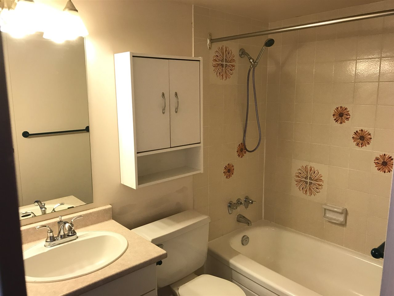Condo Apartment at 305 5294 204 STREET, Unit 305, Langley, British Columbia. Image 8