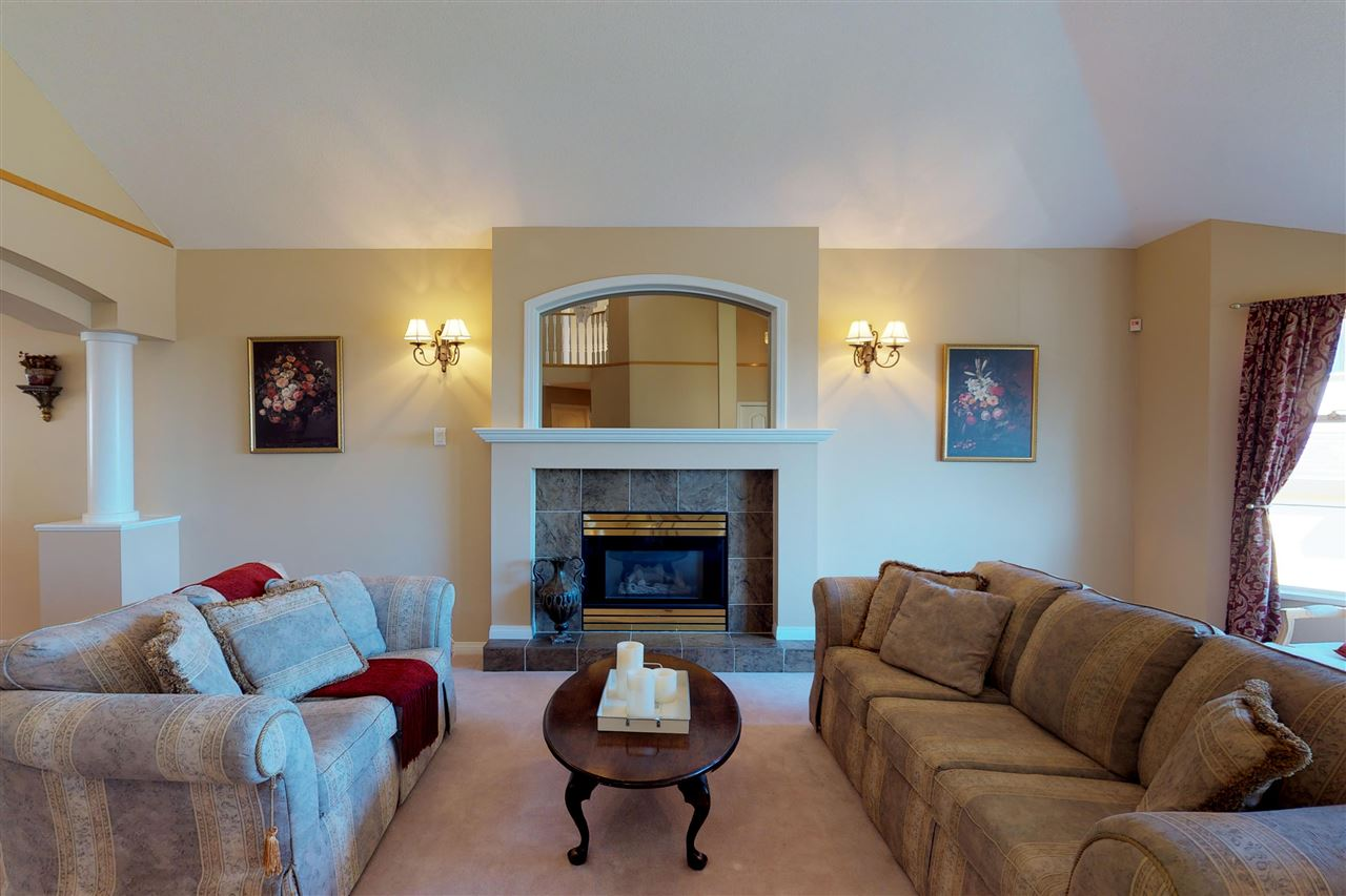 Detached at 1577 LODGEPOLE PLACE, Coquitlam, British Columbia. Image 2