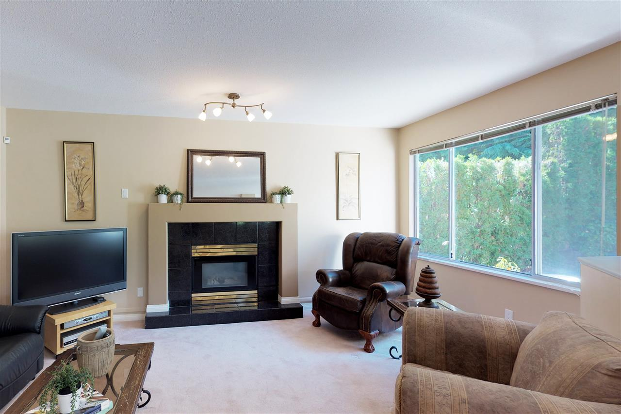 Detached at 1577 LODGEPOLE PLACE, Coquitlam, British Columbia. Image 8