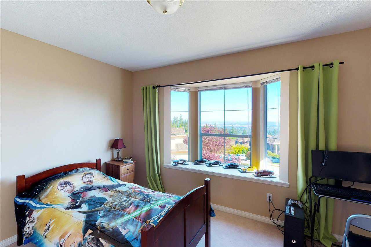 Detached at 1577 LODGEPOLE PLACE, Coquitlam, British Columbia. Image 12