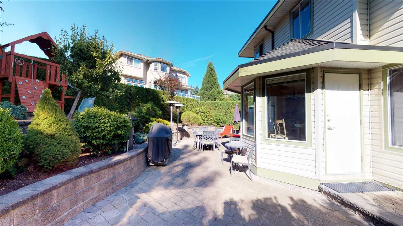 Detached at 1577 LODGEPOLE PLACE, Coquitlam, British Columbia. Image 17