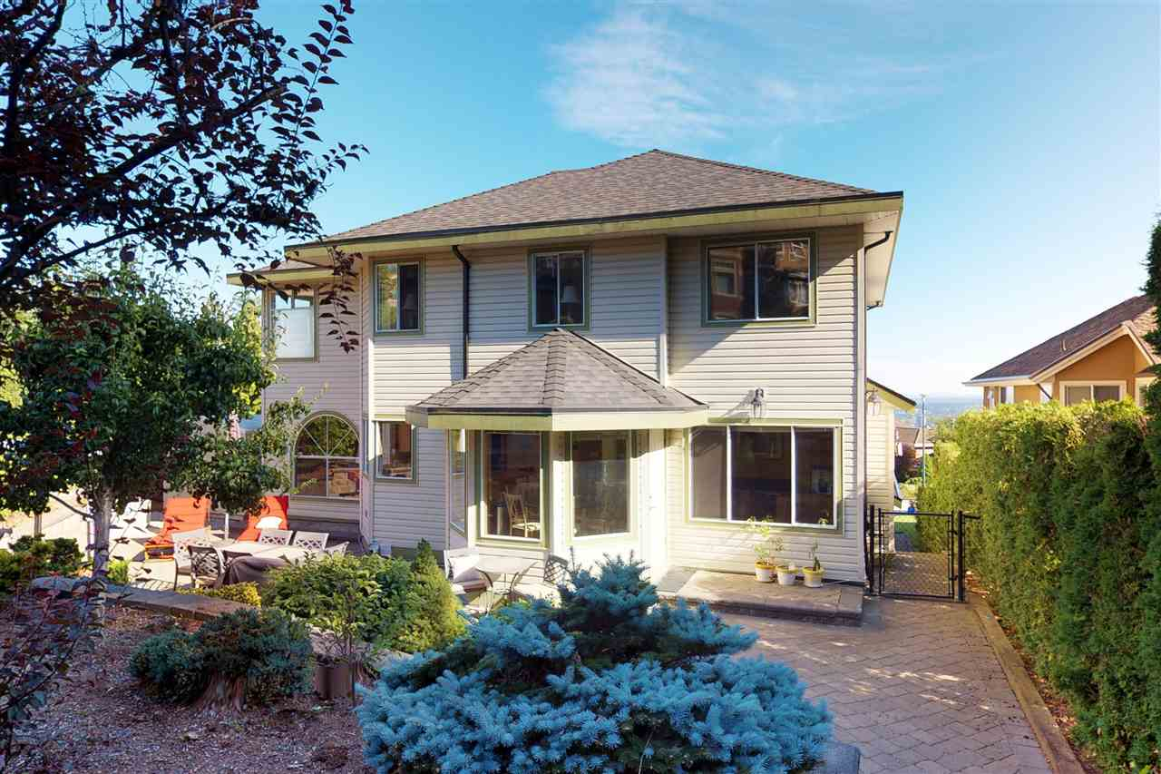 Detached at 1577 LODGEPOLE PLACE, Coquitlam, British Columbia. Image 18