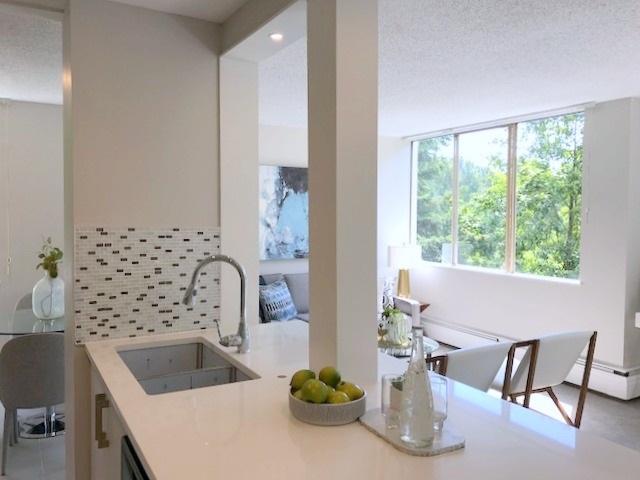 Condo Apartment at 609 2004 FULLERTON AVENUE, Unit 609, North Vancouver, British Columbia. Image 2